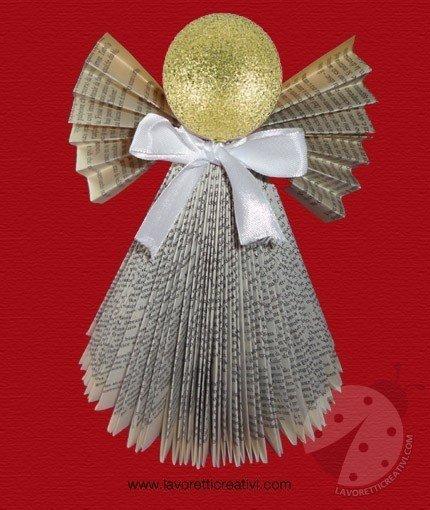 Angelo di Natale con libro