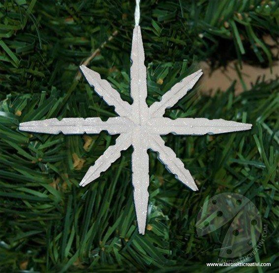 Lavoretti Di Natale Con Le Mollette Da Bucato.Fiocco Di Neve Con Mollette Di Legno Lavoretti Creativi