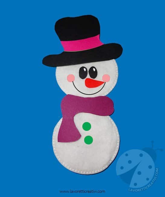 Pupazzo di neve con dischetti di ovatta