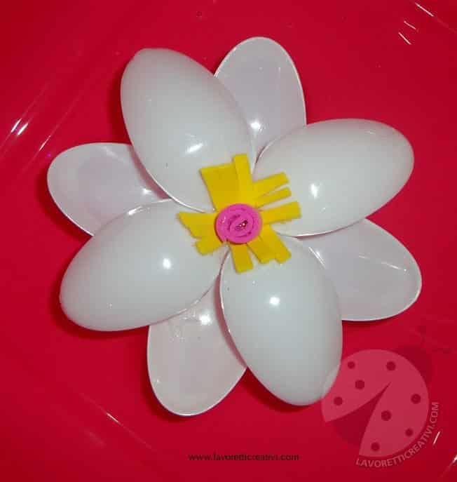 fiori-cucchiai-plastica3