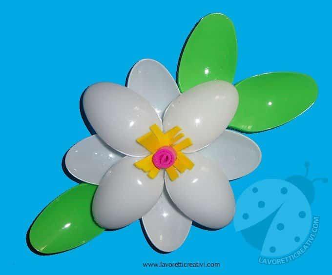 fiori-cucchiai-plastica5