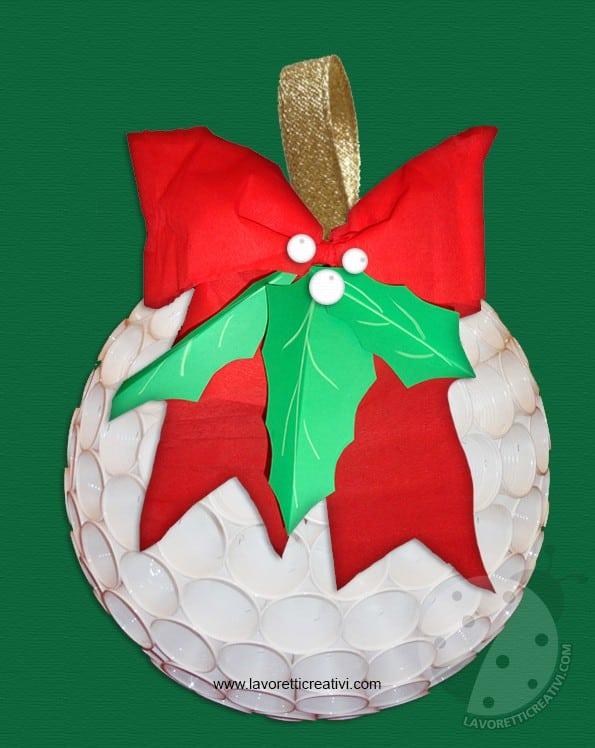 Lavoretti Di Natale Con La Plastica.Pallina Di Natale Con Bicchieri Di Plastica Lavoretti Creativi