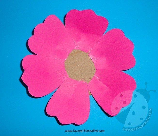 Come fare fiori di carta semplici 3