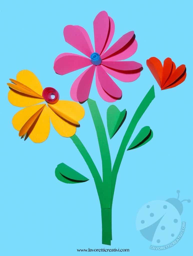 Bouquet di fiori con cuori