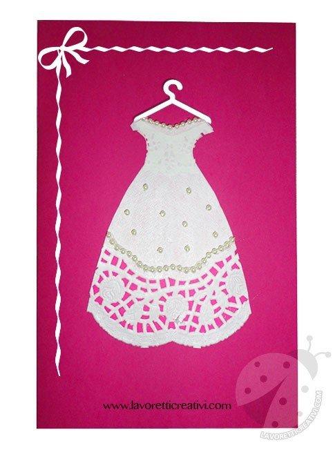 Biglietto Festa della Mamma con vestito di carta