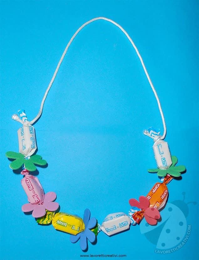 Come realizzare collane di caramelle lavoretti creativi for Lavoretti creativi accoglienza