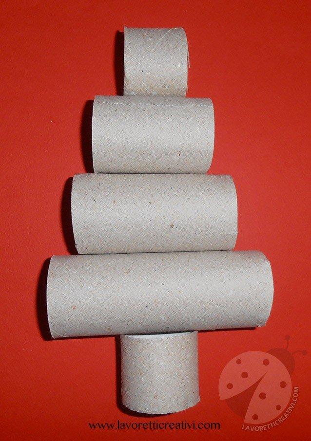 Albero di natale con rotoli di carta igienica - Albero porta carta igienica ...