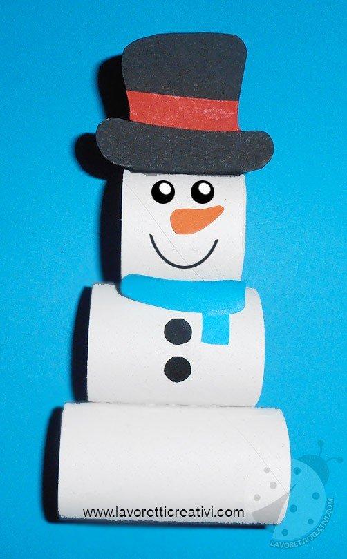 Pupazzo Di Neve >> Pupazzo di neve con rotoli di cartone della carta igienica