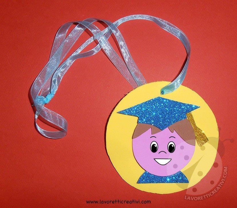 Medaglie per bambini ultimo giorno di scuola lavoretti for Lavoretti creativi per accoglienza scuola infanzia
