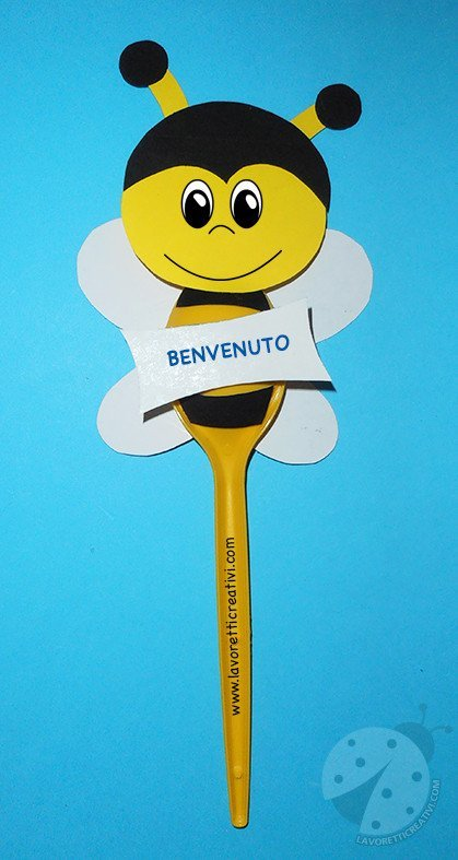 Lavoretti per bambini Farfalle con cucchiai di plastica