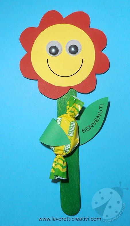 Fiore con caramella per l 39 accoglienza a scuola lavoretti for Lavoretti creativi accoglienza