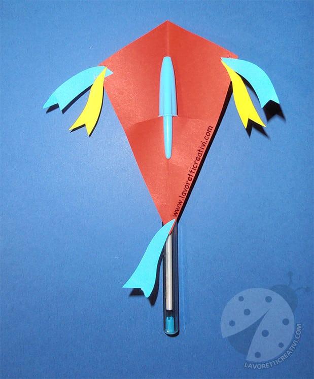 Proposte accoglienza scuola primaria aquiloni con penna for Lavoretti creativi accoglienza