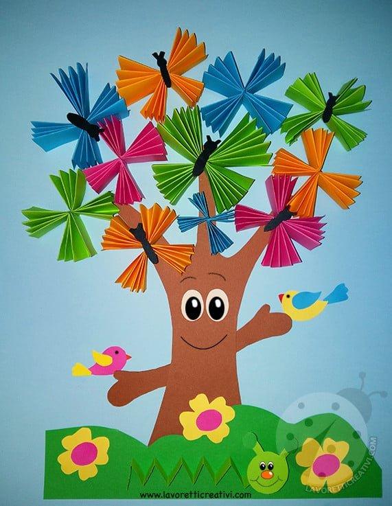 Addobbi aula scuola albero con farfalle a fisarmonica for Lavoretti creativi accoglienza