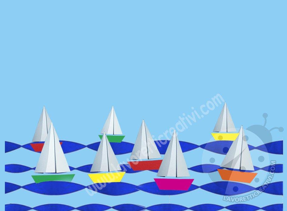 cartellone aula scuola con barche e frase di